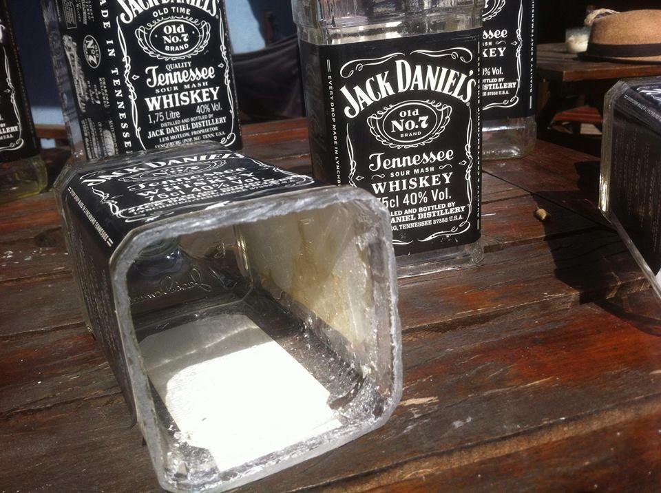 Tulipa luz Jack Daniels