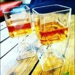 Copas con las botellas de Jack Daniels
